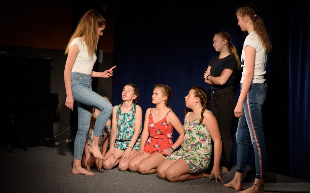 Pravidla léta – představení divadelního spolku Cára carara
