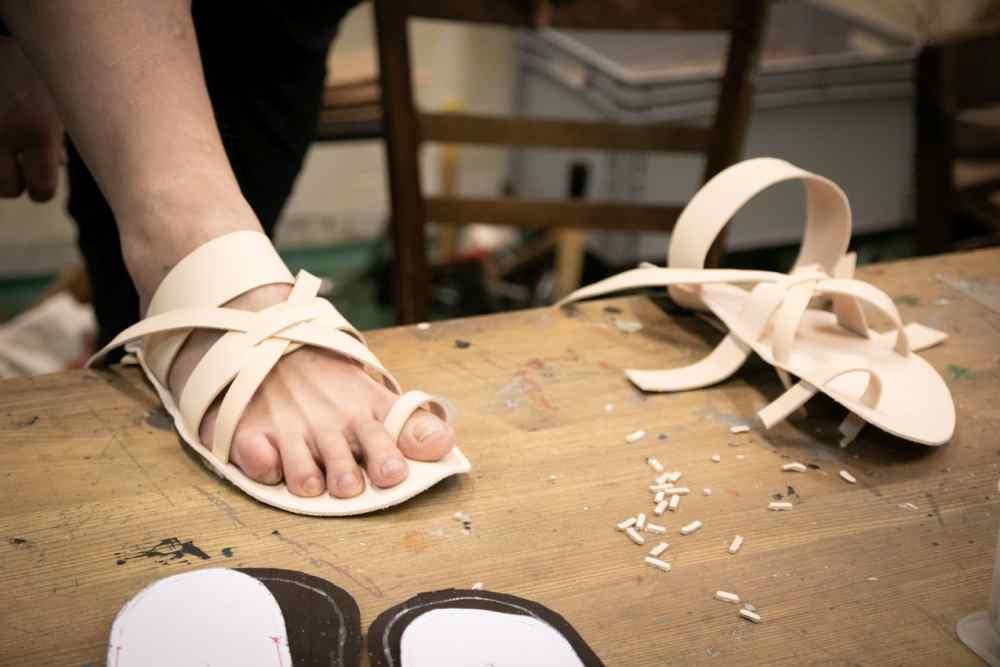 Tvorba kožených boso sandálů